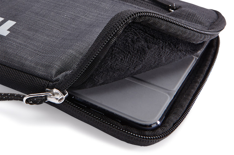 TSIS-108 Thule Strävan iPad® mini Sleeve