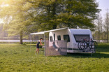 RV panel Thule Windscreen -lifestyle image