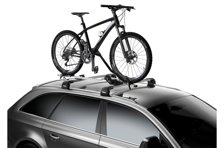 Thule ProRide 598 Roof Bike Carrier on car