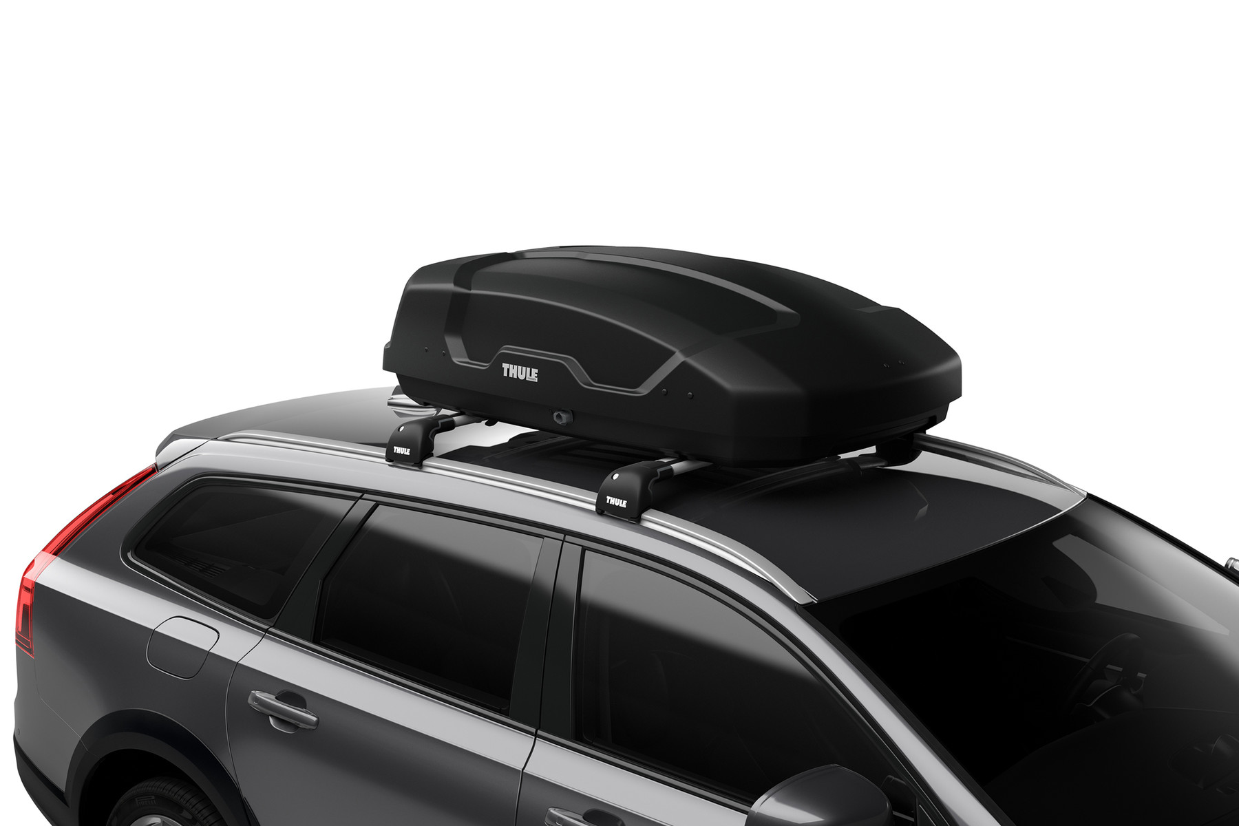 Thule Force XT Small 635100 On car