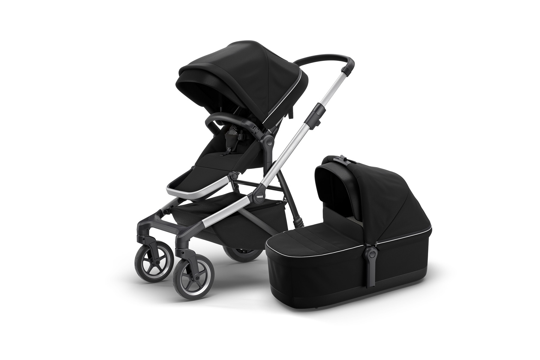Thule Sleek and Bassinet MidnightBlack Hero