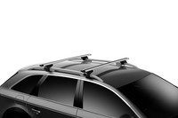 Thule WingBar Evo Aluminum on car