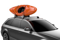 Thule Hull-a-Port XT on car and kayak on top