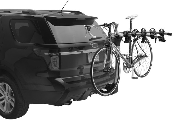 Hitch rack Thule Apex 9026 on car