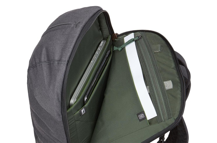 Thule Vea Laptop Backpack_17L