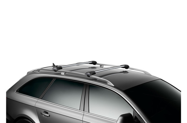 Roof rack Thule WingBar Edge on car