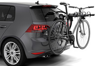 Thule Gateway Pro 3 900700 on car with bikes