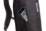 Thule UpTake 8L exterior zippered pocket