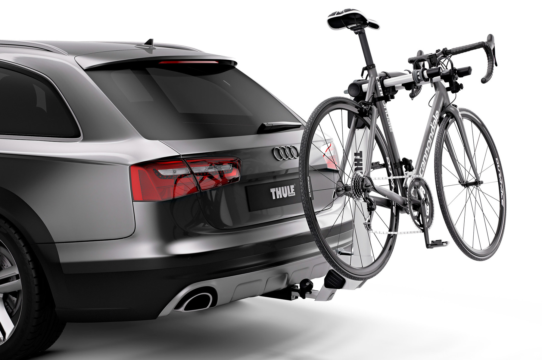 Thule Helium Pro 2 9042PRO with bikes on car