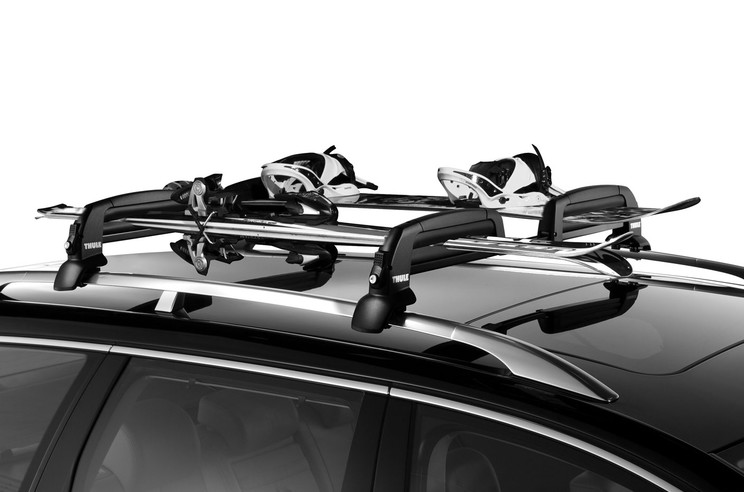 Ski rack-Thule Snowcat-on the car