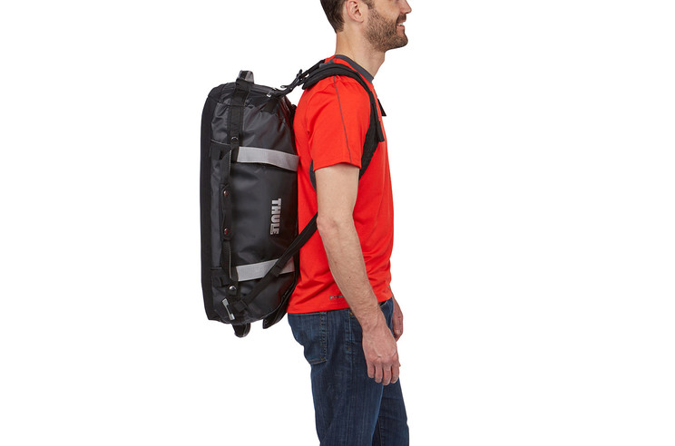 Thule_Chasm_40L backpack strap