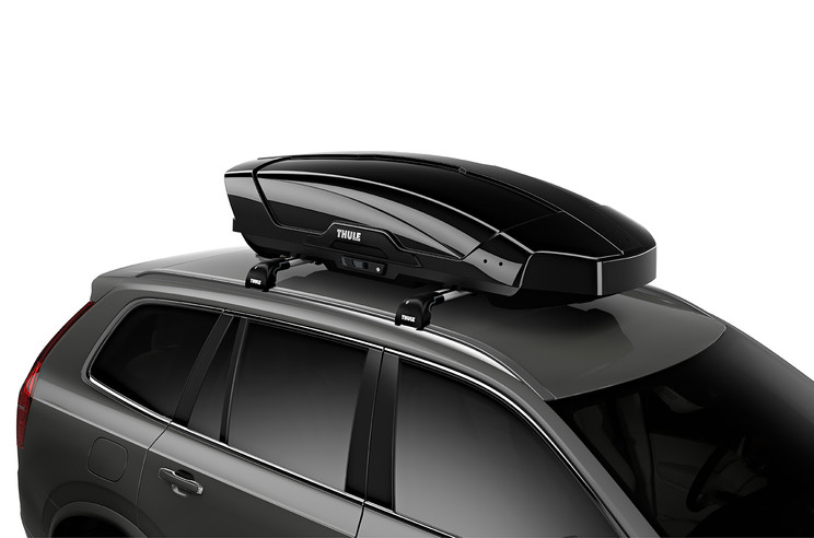 Thule Motion XT M/L on car - black glossy