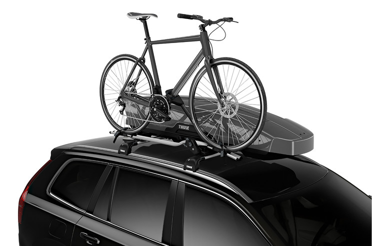 Thule Motion XT Sport on car with ProRide - titan glossy
