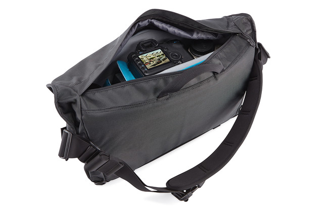 Thule Covert DSLR Messenger_TCDM-101