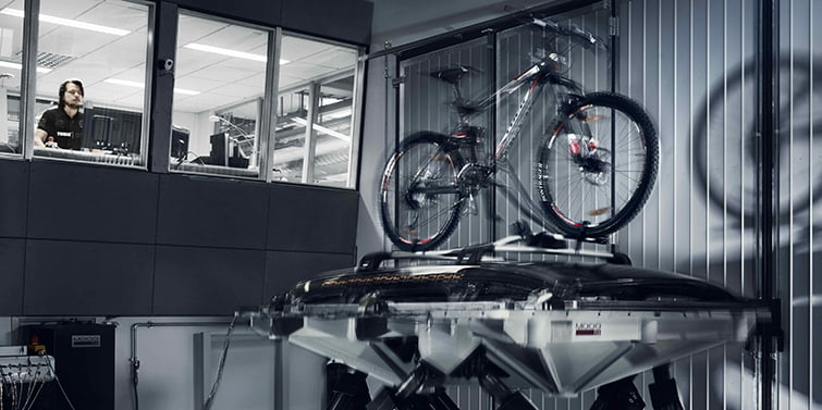 Bike racks for cars tested in Thule Test Center