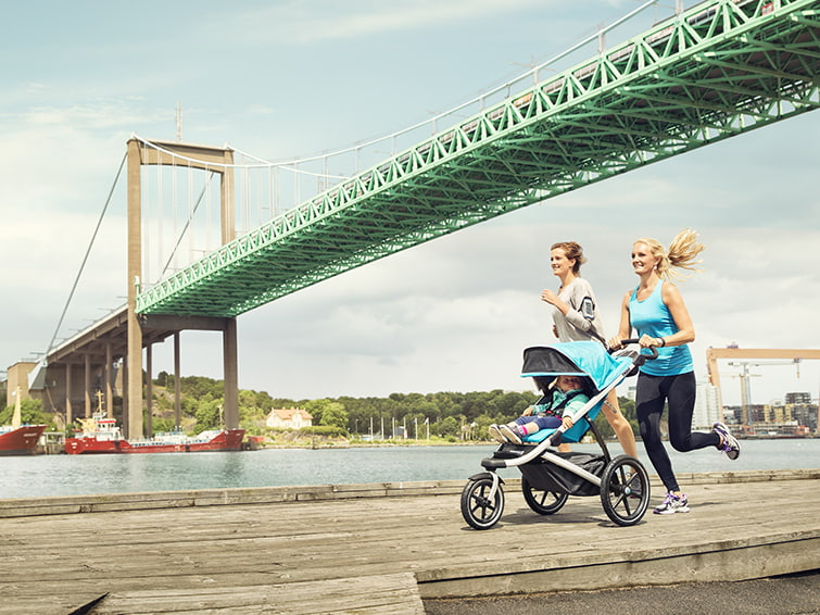 Running with a pushchair is possible with Thule Urban Glide